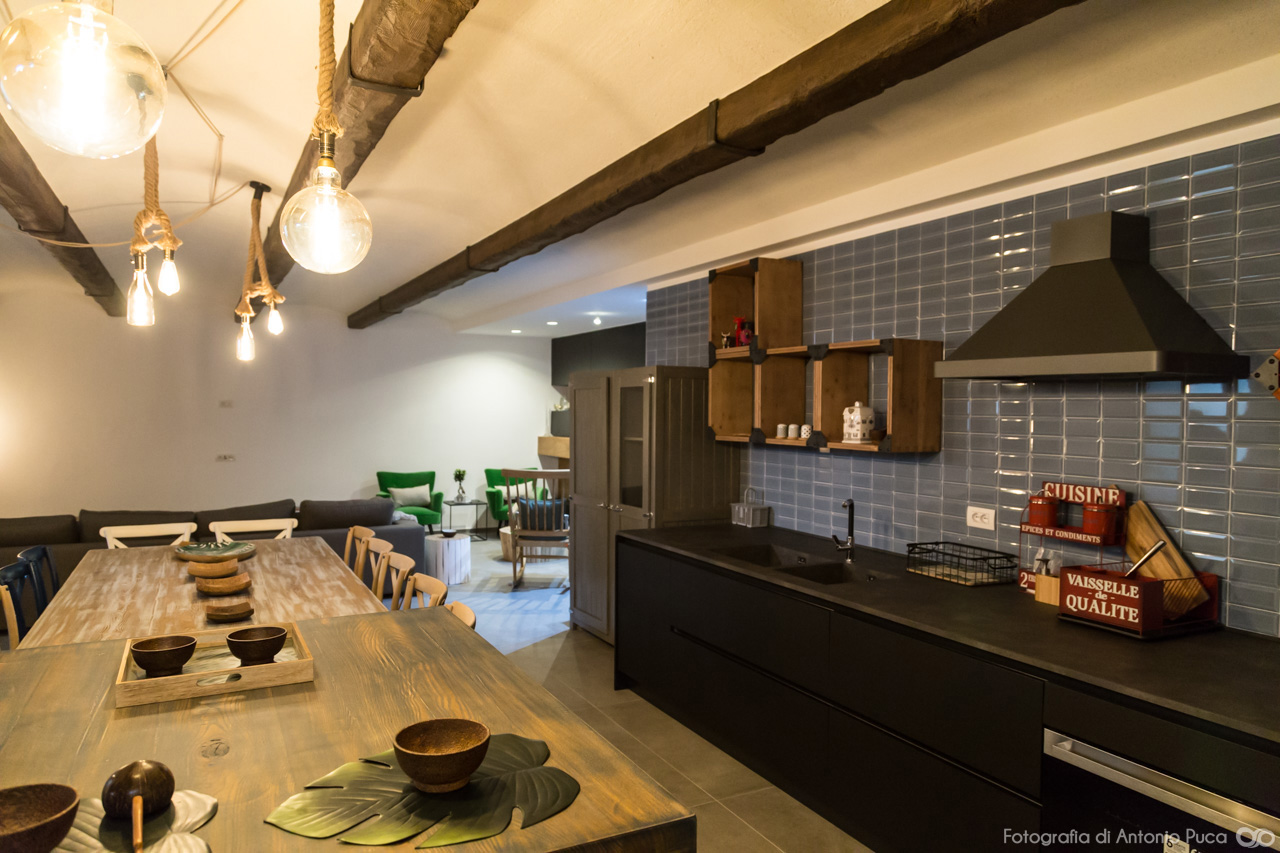 Fotografo architettura interni una taverna in stile for Interni architettura